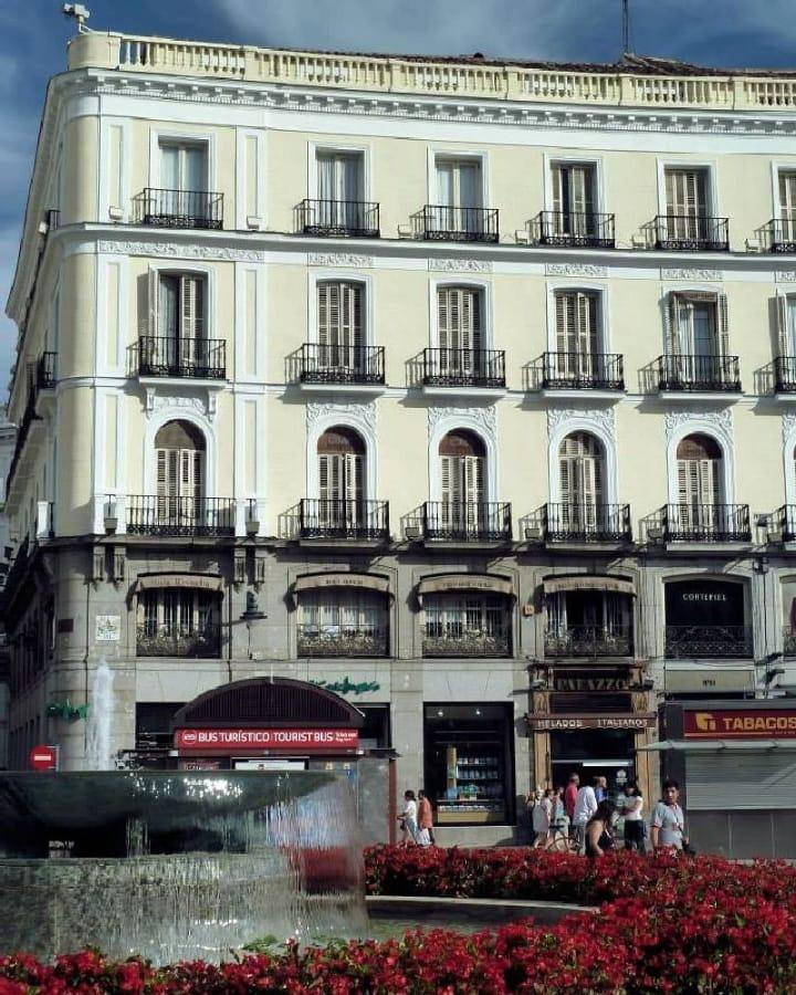 TravelXL-van-Limburg-MADRID-Puerto-del-Sol-fontein