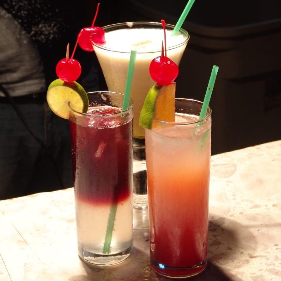 TravelXL-van-Limburg-KOS-Barstreet-cocktails