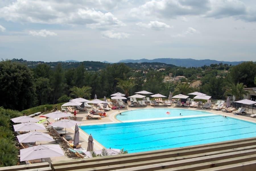 TravelXL-van-Limburg-ClubMed2-Opio-zwembad-met-olijfbomen