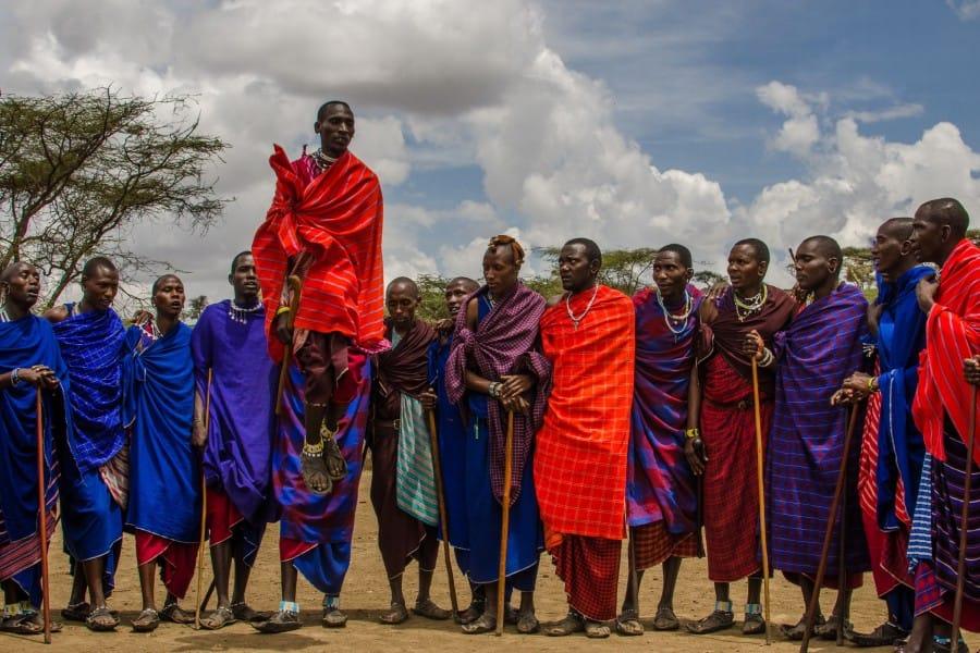TravelXL-van-Limburg-KENIA-Masai-springen