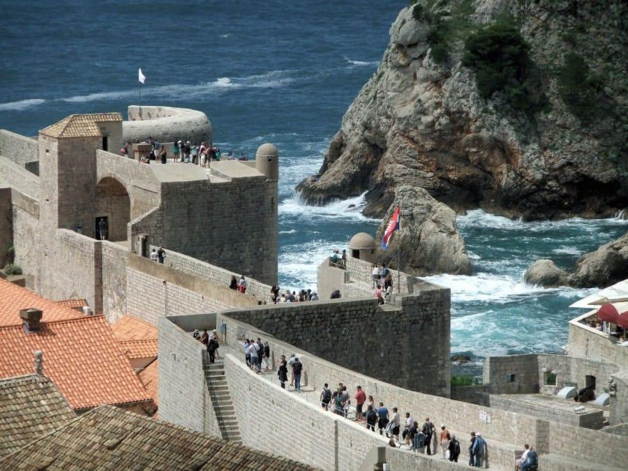 TravelXL-van-Limburg-DALMATIE-Dubrovnik-wandeling-op-muur