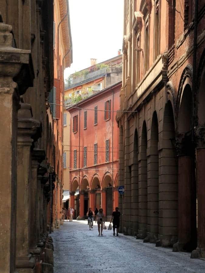 TravelXL-van-Limburg-FLORENCE-Bologna-arcades