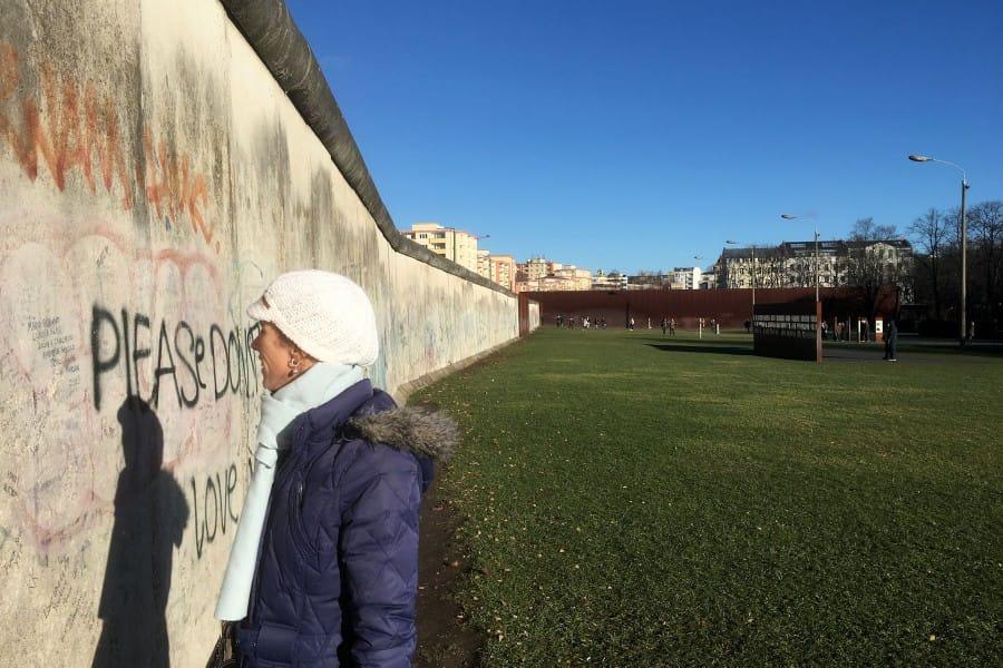 TravelXL-van-Limburg-BERLIJN-tekst-op-muur