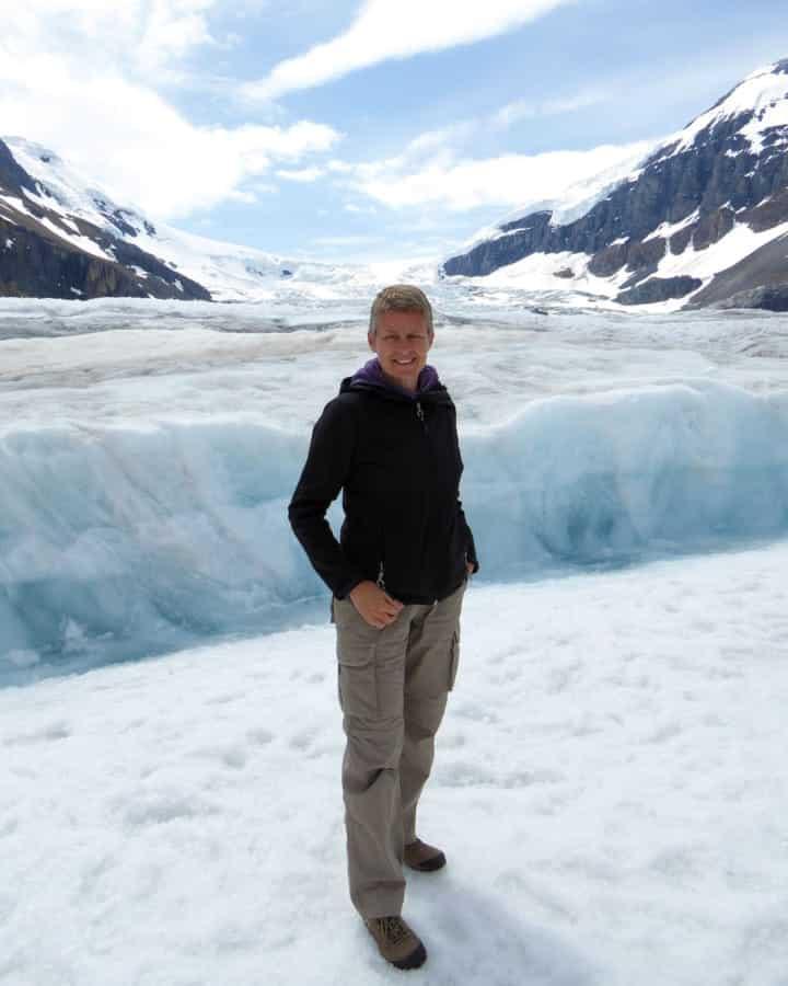 travelxl-van-limburg-canada-nicole-op-gletsjer