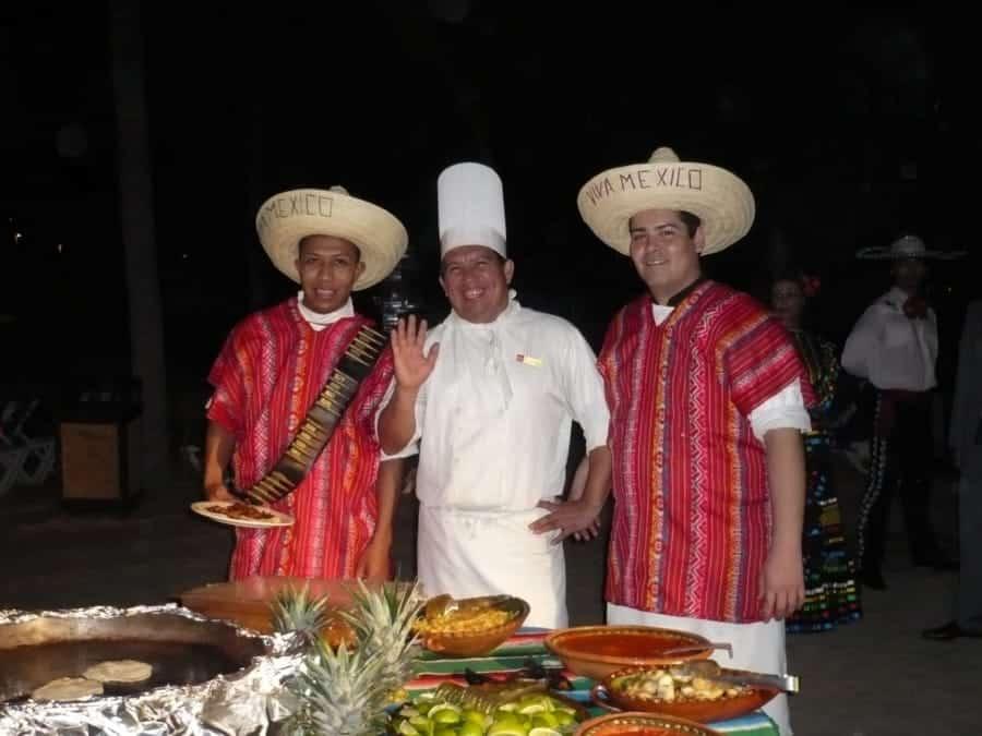 travelxl-van-limburg-puerto-vallarta-barbecue