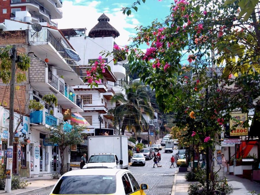travelxl-van-limburg-puerto-vallarta-winkelstraat