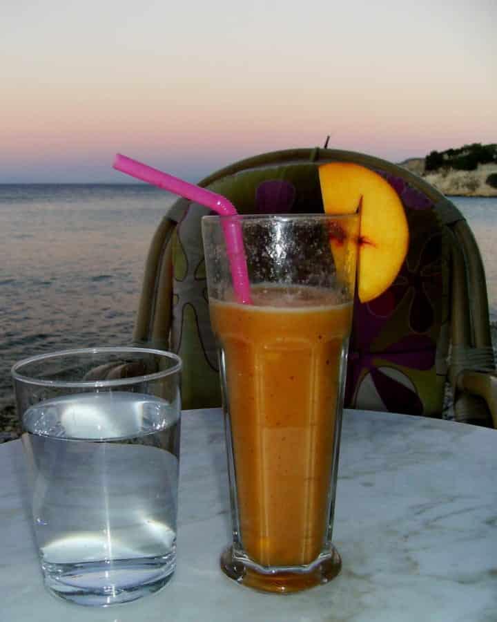 travelxl-van-limburg-samos-mango-smoothie
