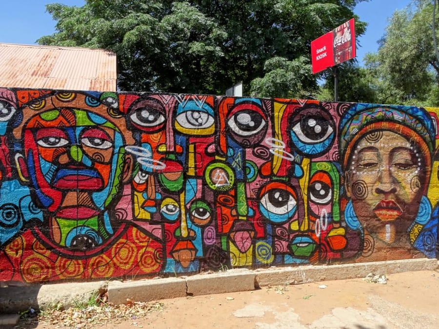 travelxl-van-limburg-zuid-afrika-johannesburg-muurschildering