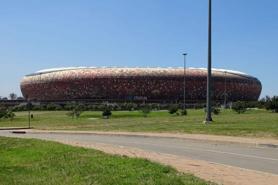 travelxl-van-limburg-zuid-afrika-johannesburg-voetbalstadion